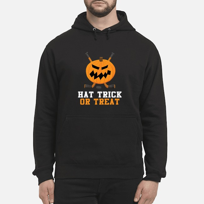 https://kingtees.shop/teephotos/2019/10/Hockey-Pumpkin-Hat-Trick-Or-Treat-Halloween-hoodie.jpg
