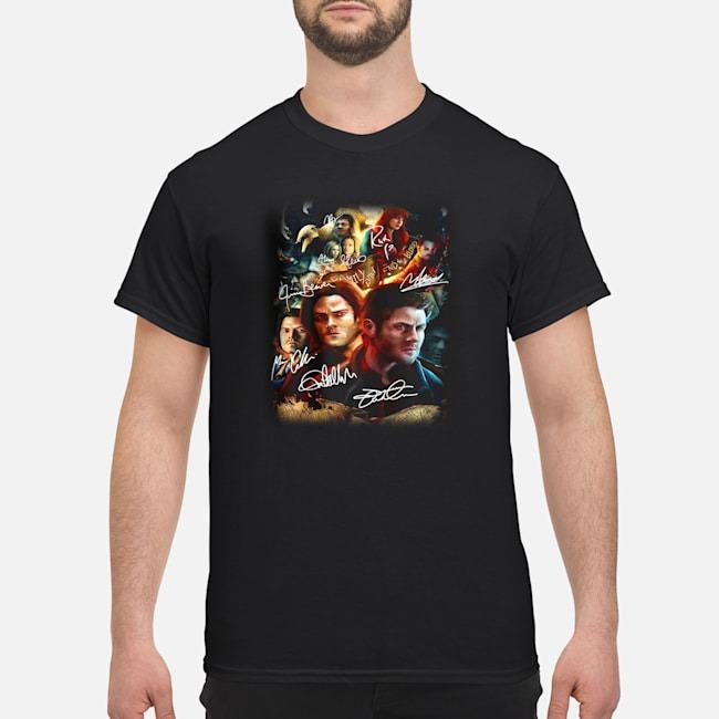 https://kingtees.shop/teephotos/2019/11/Supernatural-Family-Don%E2%80%99t-End-With-Blood-Signatures-Shirt.jpg