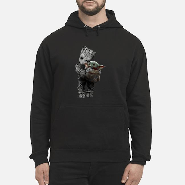 https://kingtees.shop/teephotos/2019/12/Baby-Groot-hug-baby-Yoda-Star-Wars-Hoodie.jpg