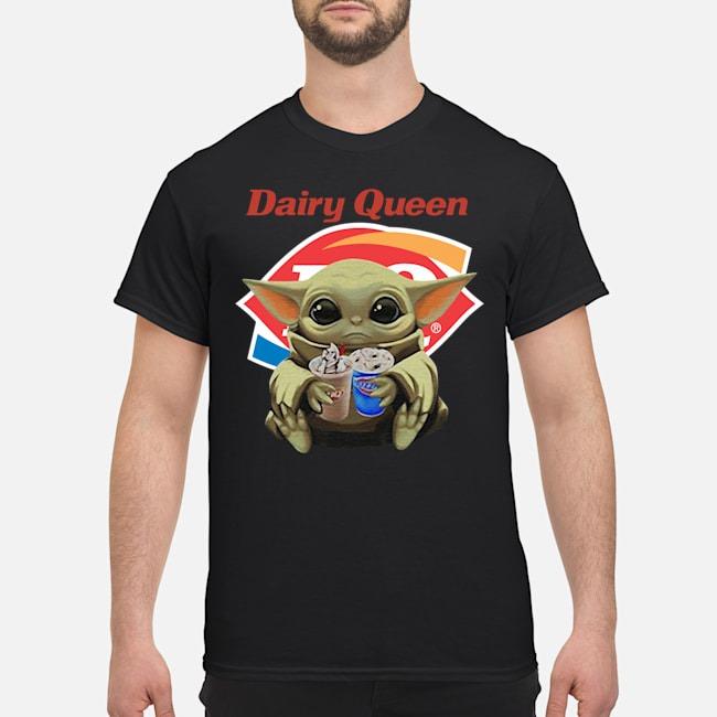 https://kingtees.shop/teephotos/2019/12/Baby-Yoda-Hug-Dairy-Queen-Shirt.jpg