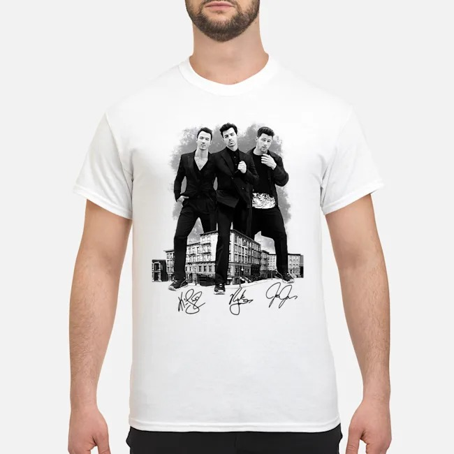 https://kingtees.shop/teephotos/2019/12/The-Jonas-Brothers-Signature-Shirt.jpg
