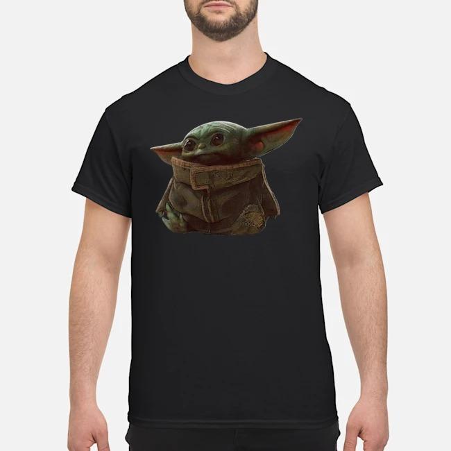 https://kingtees.shop/teephotos/2019/12/The-Mandalorian-Baby-Yoda-shirt.jpg