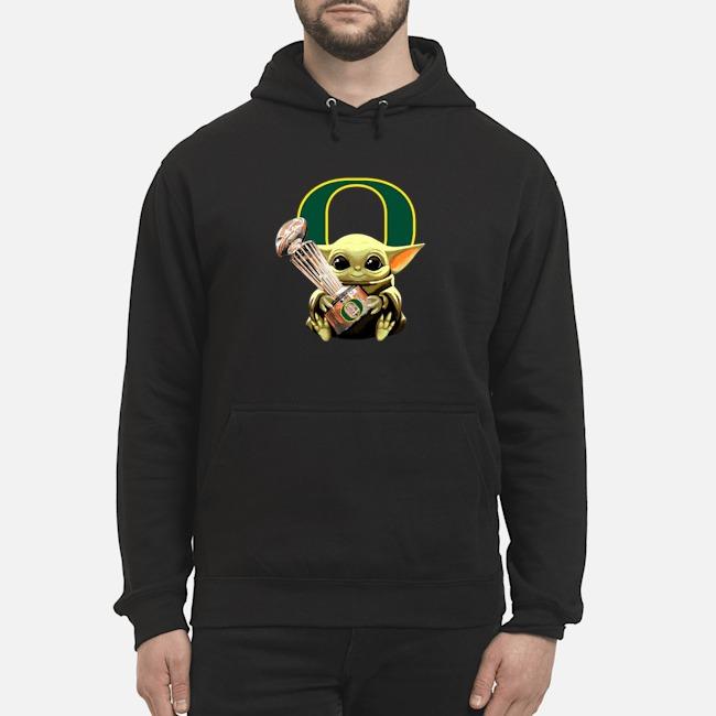 https://kingtees.shop/teephotos/2020/01/Baby-Yoda-Hug-Oregon-Ducks-Cup-Hoodie.jpg