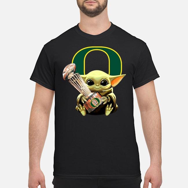 https://kingtees.shop/teephotos/2020/01/Baby-Yoda-Hug-Oregon-Ducks-Cup-Shirt.jpg