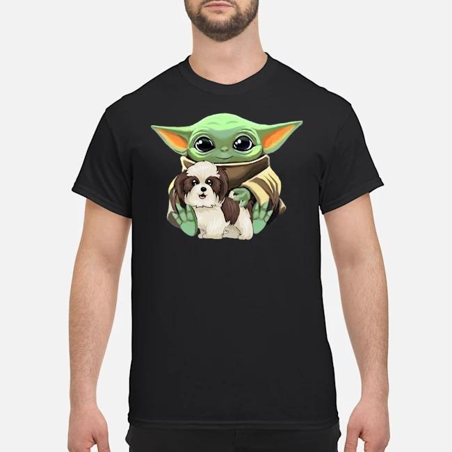 https://kingtees.shop/teephotos/2020/01/Baby-Yoda-Hug-Shih-Tzu-Shirt.jpg