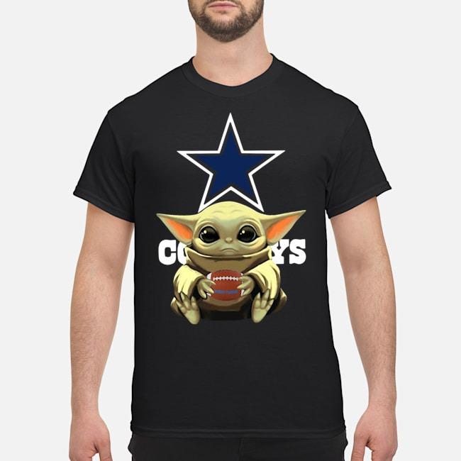 https://kingtees.shop/teephotos/2020/01/Official-Baby-Yoda-Hug-Cowboys-Shirt.jpg