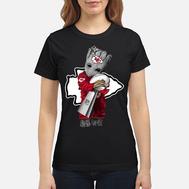 https://kingtees.shop/teephotos/2020/02/Kansas-City-Chiefs-baby-Groot-hug-super-bowl-champions-Ladies.jpg