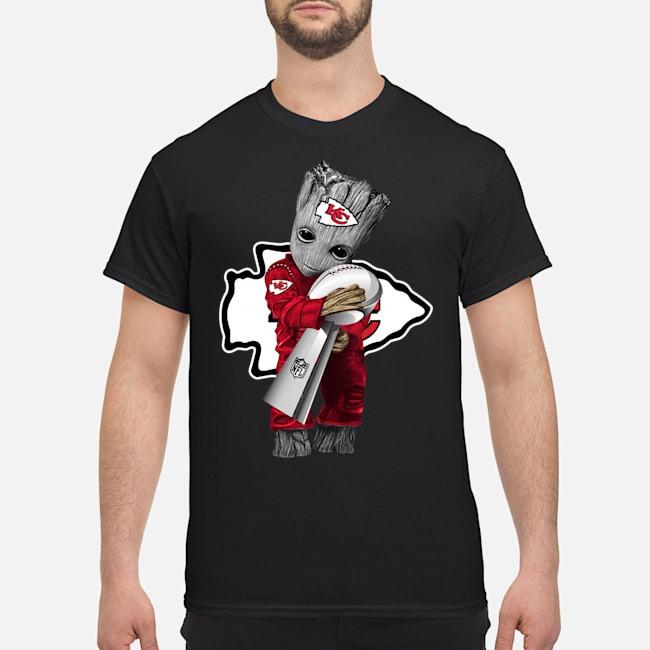 https://kingtees.shop/teephotos/2020/02/Kansas-City-Chiefs-baby-Groot-hug-super-bowl-champions-shirt.jpg